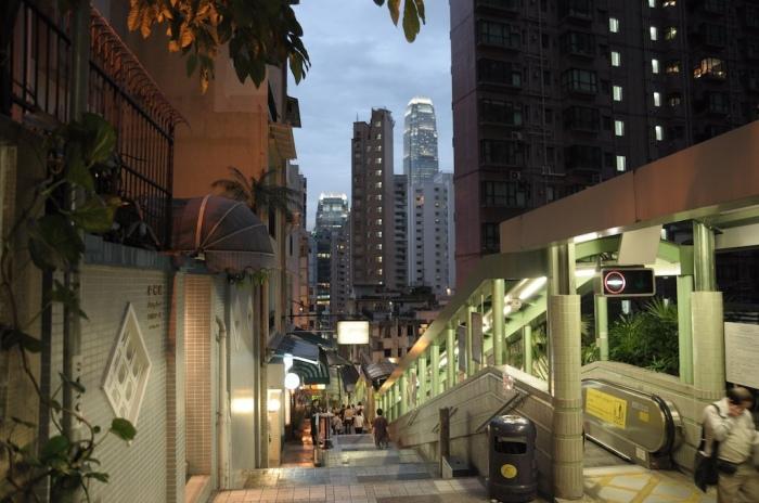 רחוב shelley במרכז הונג-קונג. צילום: flickr